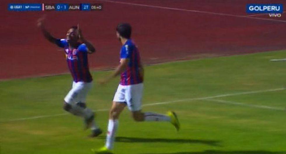 Robinson Aponzá anotó el 0-1 ante Sport Boys. (Captura)