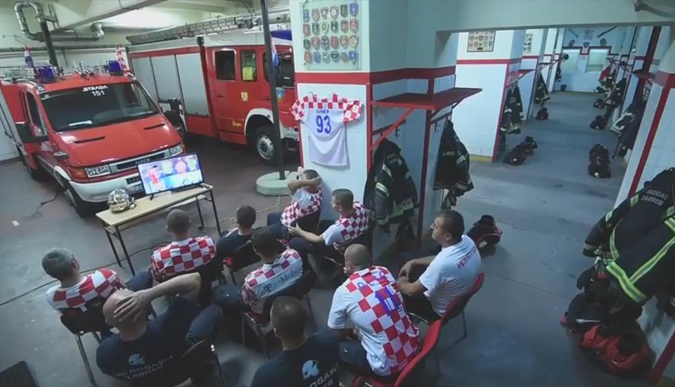 Los bomberos de Zagreb publicaron en su Facebook un singular video para concientizar a los fans croatas sobre el uso de pirotecnia. (Vatrogasna postrojba Zagreb)
