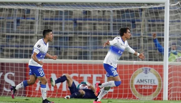 Católica venció a Atlético Nacional y clasificó a la siguiente ronda de la Copa Libertadores. (Foto: EFE)