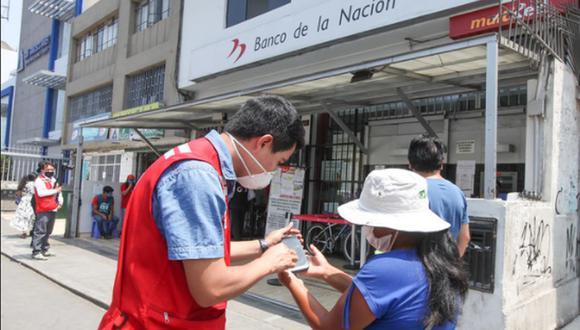 El Banco de la Nación abrirá una Cuenta DNI a los perceptores para que puedan cobrar los 760 soles. (Foto: Midis)