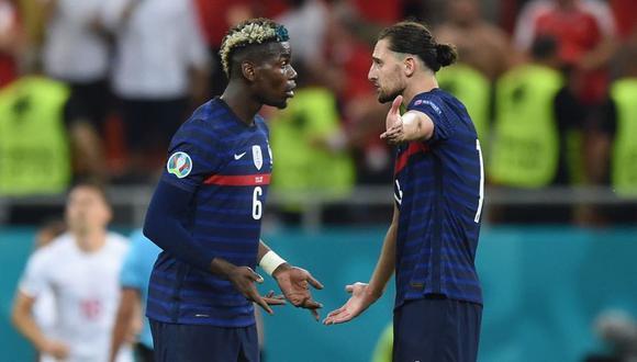Adrien Rabiot y Paul Pogba discutieron durante el encuentro entre Francia y Suiza por los octavos de final de la Eurocopa. (Foto: Getty Images)