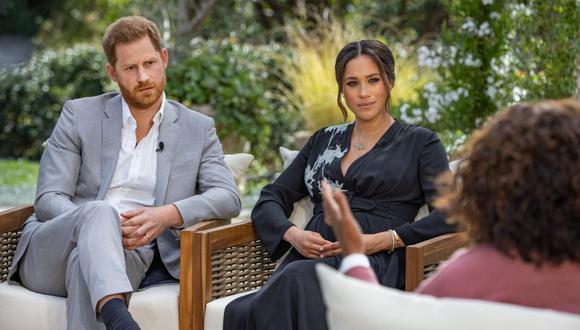 Meghan Markle y el príncipe Harry causan revuelo con sus declaraciones sobre la realeza británica. (Foto: Joe Pugliese / HARPO PRODUCTIONS / AFP)