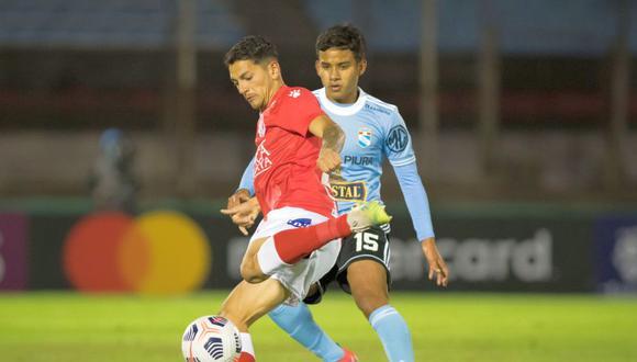 Lora es seguido de cerca por el comando técnico de la Selección Peruana. (Foto: CONMEBOL)