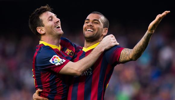 Dani Alves señaló que Messi es un futbolista que necesita estar 'arropado'  (Foto: Getty Images)