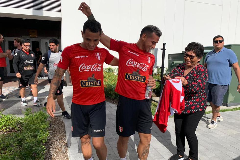 Los jugadores de la Selección Peruana trabajaron bajo un agobiante calor en Miami. (Fotos: Daniel Apuy)
