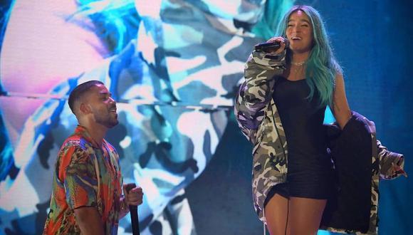 Karol G cantó junto a Romeo Santos en el concierto de Aventura en Los Ángeles. (Foto: Instagram)
