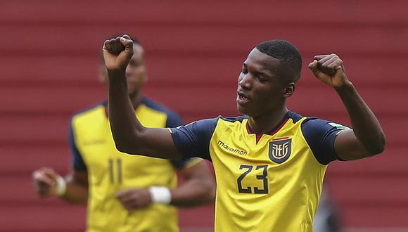 Moises Caicedo regresa al 'Tri' para enfrentar a Perú. (Foto: Jose Jacome / AFP)