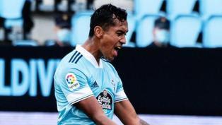 Renato Tapia muy cerca del Sevilla, según prensa española