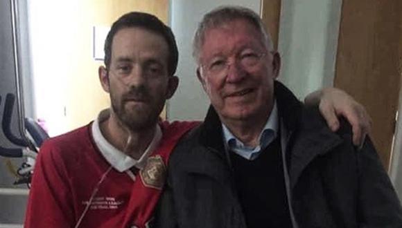 Sir Alex Ferguson visitó a un seguidor del Manchester United que padece de una enfermedad terminal. (Foto: Agencias)