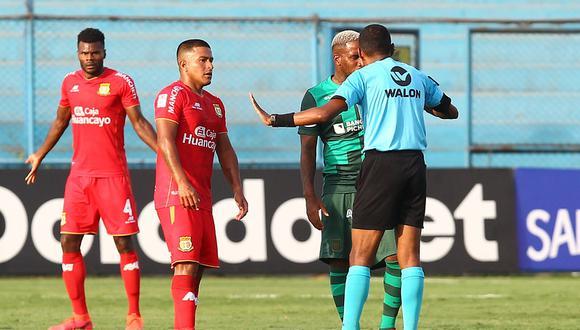 El impase entre Marcio Valverde y Jefferson Farfán pudo resolverse en camerinos. (Foto: Liga 1)