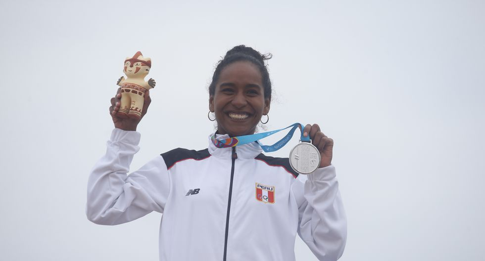 María Fernanda Reyes: Medalla de plata en surf-Longboard femenino. (Foto: Jesus Saucedo / GEC)