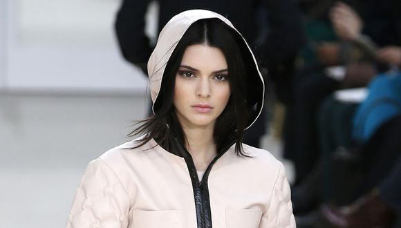 Kendall Jenner dejó boquiabiertos a muchos de sus seguidores con el 'outfit' que llevó. (Foto: Patrick Kovarik   Getty Images)