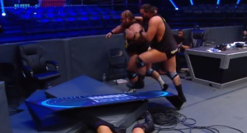The Miz y John Morrison ganaron por descalificación la lucha que tuvieron contra Heavy Machinery. Sin embargo, los campeones en parejas sufrieron la ira de Otis, quien se enfureció por culpa de Dolph Ziggler. (Foto: WWE)