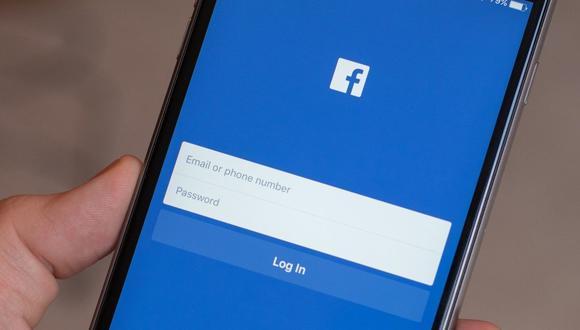 Conoce todos los pasos para poder eliminar tu número de celular de la red social más visitada por todos, Facebook. (Foto: Facebook)