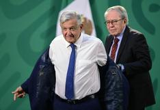 """López Obrador llama """"cobarde"""" a hombre que agredió al presidente de Francia"""