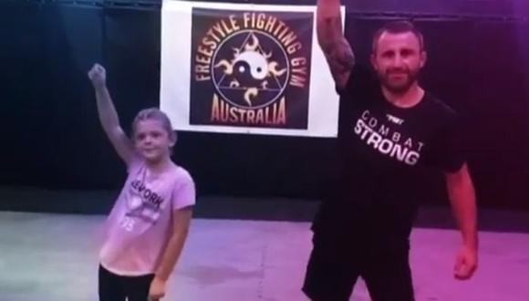 Campeón de UFC realizó baile viral de TikTok junto a su hija. (TikTok)