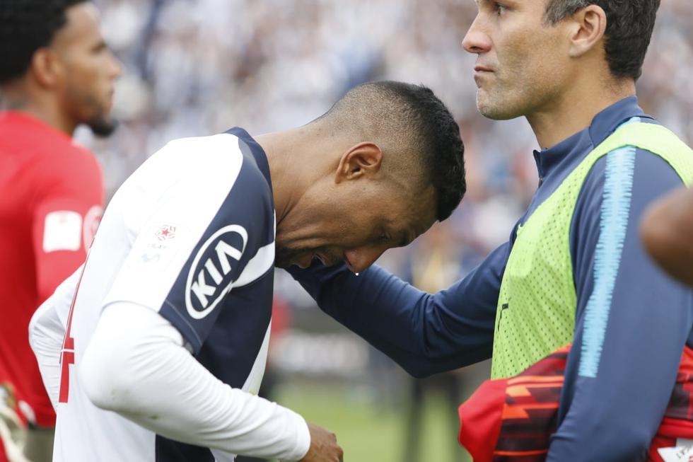 El llanto de los jugadores de Alianza Lima. (Foto: Violeta Ayasta)