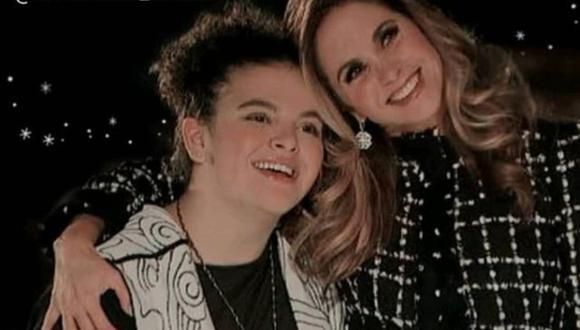 La cantante junto a su hija, quien ya ha crecido. (Foto: Fans Lucero Oficial / Instagram)