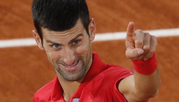 Novak Djokovic venció a Stefanos Tsitispas en Roland Garros. (Foto: AP)