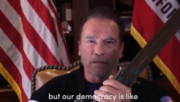 """En el video, Arnold Schwarzenegger calificó a Donald Trump como el """"peor presidente de la historia"""". (Foto: @Schwarzenegger / Twitter)"""
