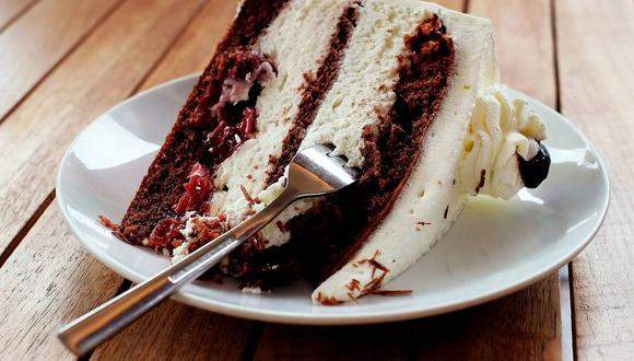 Un hombre tuvo vergüenza de pedir otra porción de torta en la casa de su novia e hizo lo inesperado. (Foto referencial: Couleur / Pixabay)