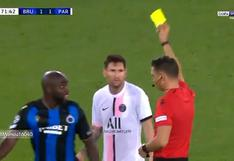 Irreconocible: Lionel Messi vio la amarilla por un pisotón en el PSG vs Brujas [VIDEO]