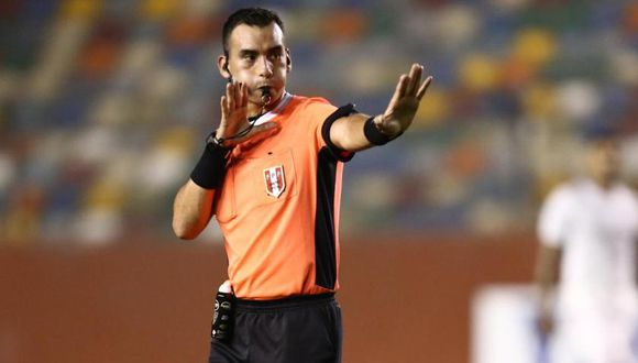 Augusto Menéndez fue cuestionado por su arbitraje en el Universitario vs. Binacional. (GEC)