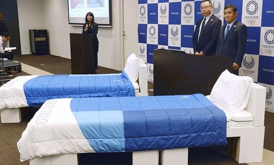 La organización de Tokio 2020 presentó 18 mil camas de cartón que son anti tríos sexuales. (Getty Images)