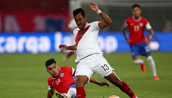 Renato Tapia alentó a la Selección Peruana a la distancia. (Foto: AFP)