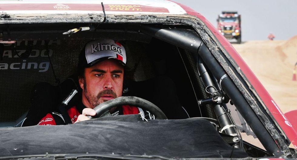 Fernando Alonso tuvo de copiloto a Mar Coma, leyenda del Dakar. (AFP)
