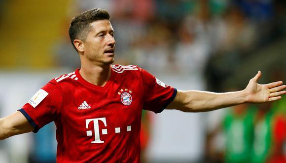 Robert Lewandowski pelea por superar a Claudio Pizarro como máximo goleador extranjero de la Bundesliga. (Reuters)