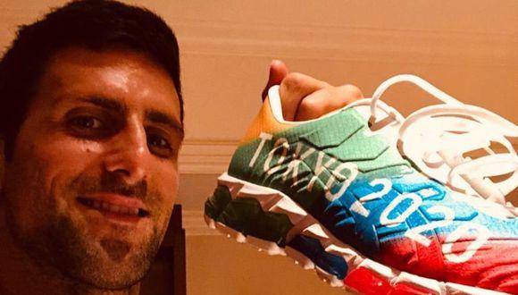 La foto que publicó Novak Djokovic en Twitter junto al mensaje sobre el aplazamiento de la cita olímpica. (Foto: WWE)
