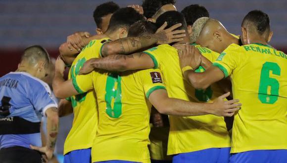 Uruguay cayó ante Brasil, que comanda las Eliminatorias Qatar 2022. (Difusión)