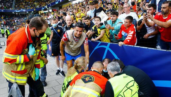 Cristiano Ronaldo auxilió a comisario al que le tiró un pelotazo. (Foto: Agencias)