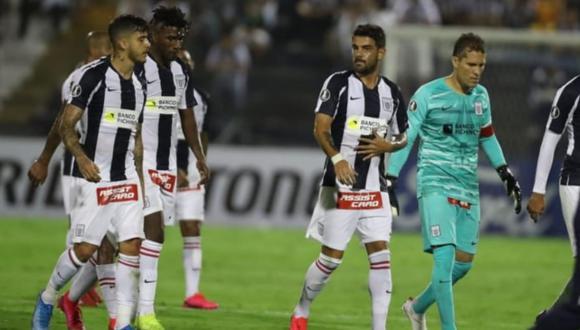 Alianza Lima perdió ante Nacional de Uruguay en su debut por Copa Libertadores.