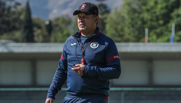 Juan Reynoso tendrá su primer desafío este domingo, cuando Cruz Azul visite a Santos Laguna. (Foto: Cruz Azul)
