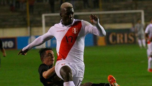 Luis Advíncula es titular indiscutible en la Selección Peruana, algo que gusta mucho en Boca Juniors. (Foto: Agencias)