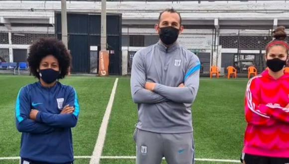 Barcos compartió minutos con las goleadoras del equipo femenino de Alianza Lima. (Foto: Instagram)