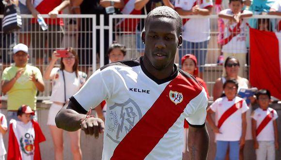 Luis Advíncula entró en la convocatoria para el duelo contra el Huesca. (Foto: EFE).