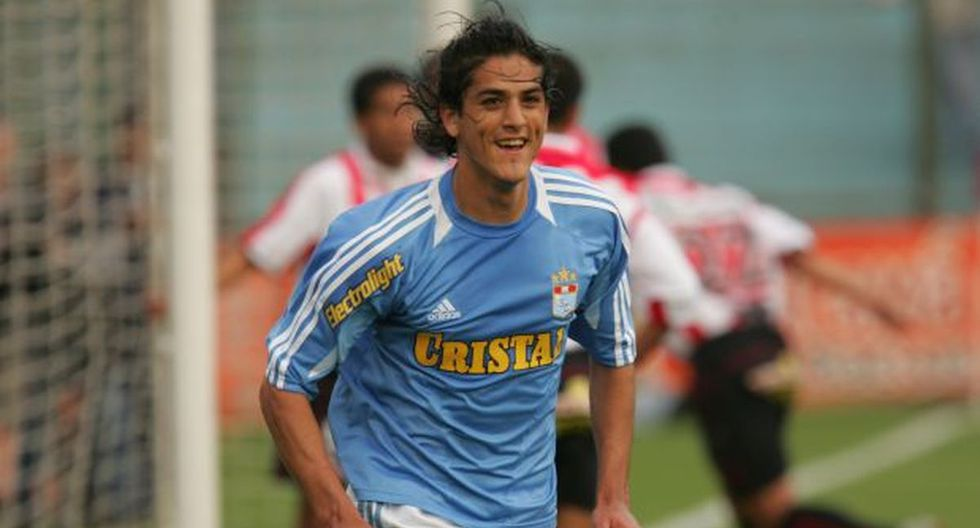 Araujo jugó en Perú en Sporting Cristal.