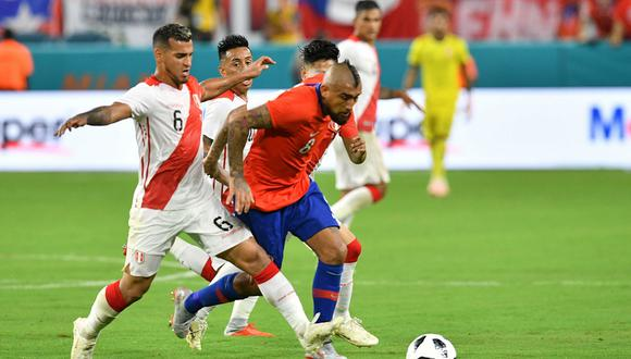 El primer encuentro de la Selección Peruana será ante Chile, en el estadio Nacional de Lima. (Foto: EFE)
