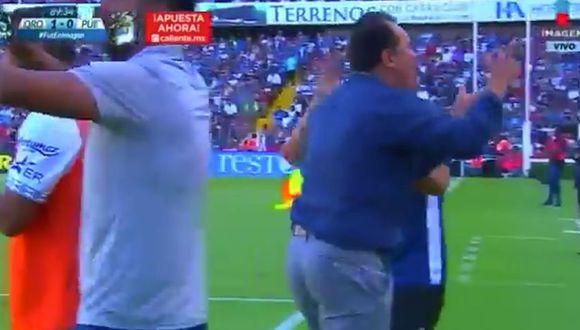 La reacción de Juan Reynoso tras el golazo a los 90 con el que Puebla salvó un empate.