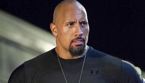Dwayne Johnson se integró al elenco principal como el oficial Luke Hobbs en Rápidos y furiosos 5 (Foto: Universal Pictures)