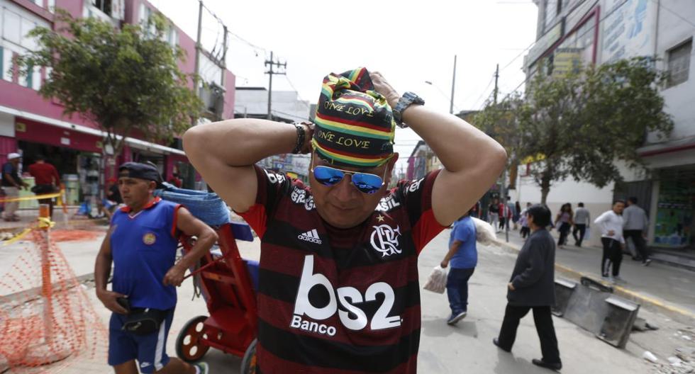 El 'boom' de la venta de camisetas de River y Flamengo en la calles de Lima. (Fotos: Violeta Ayasta / GEC)