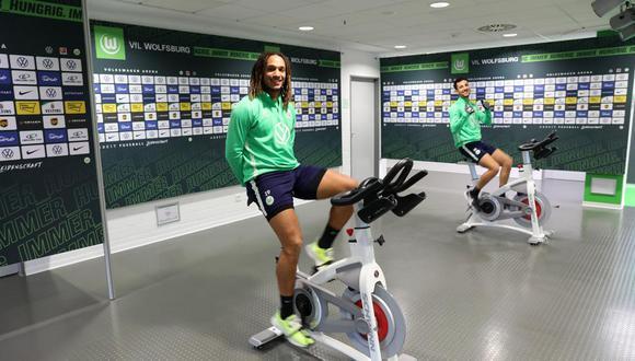 Wolfsburgo retomó los entrenamientos con medidas especiales pero no se salvó de críticas.