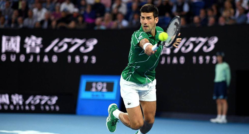 El número uno mundial del tenis, el serbio Novak Djokovic, anunció este martes que ha dado positivo por coronavirus. (Getty)