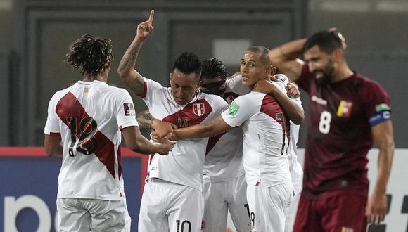 Perú venció a Venezuela por la sexta fecha de las Eliminatorias. (Foto: AFP).