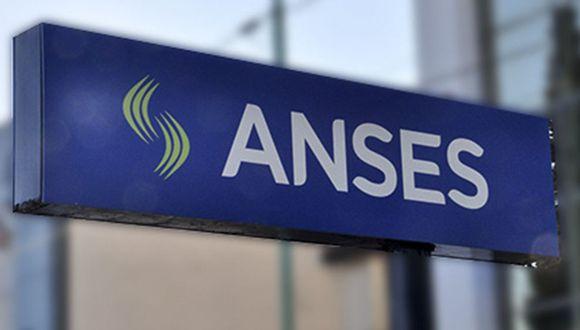 Bono Anses de 10.000 pesos IFE: quiénes cobran hoy el refuerzo del Gobierno en Argentina. (Foto: AFP)