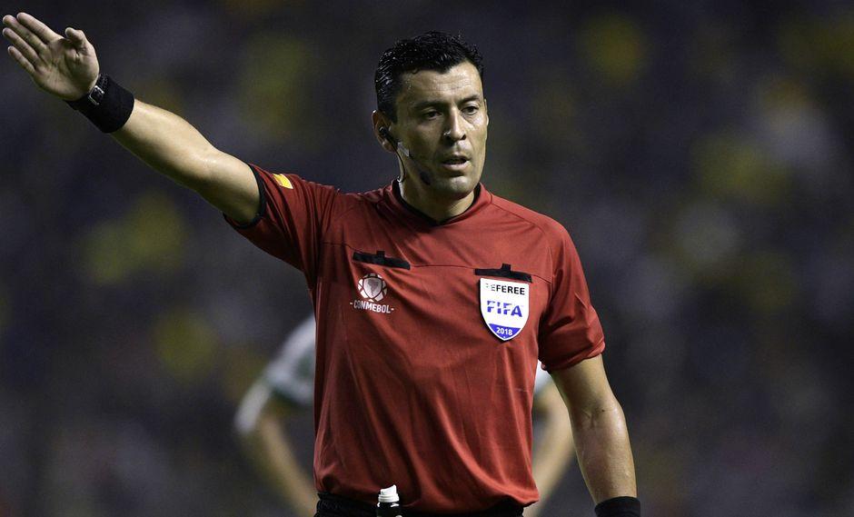 Roberto Tobar ha sido designado por la CONMEBOL para dirigir la gran final. (Getty Images)
