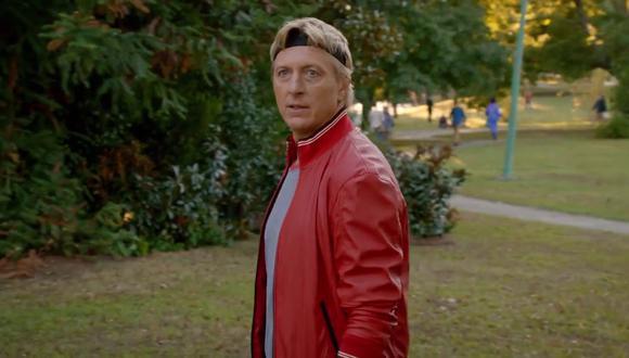 """Cuando Johnny Lawrence es expulsado de """"Cobra Kai"""" por John Kreese, decide comenzar un nuevo dojo para rectificar los errores que cometió con sus antiguos alumnos (Foto: Netflix)"""